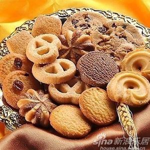 所有进口食品报关时均需附带有关的汉语食品标签