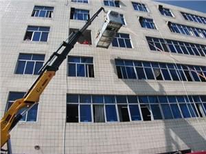 重庆吊车出租公司发展需注意哪些问题