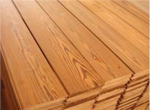 选择防腐木时需要注重防腐木质量