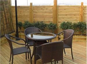 防腐木花架的实用性和成本是多少