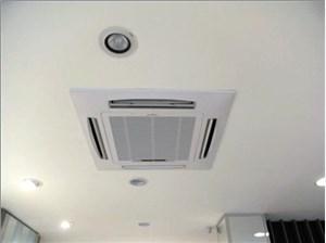 特灵空调维修讲解空调室内机化霜灯闪烁是由于电线配置错误引起的