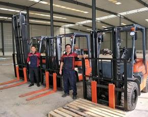 杭州叉车出租在使用时的注意事项及安全操作规范介绍