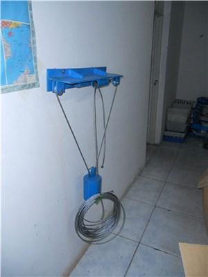 重锤式风门闭锁装置