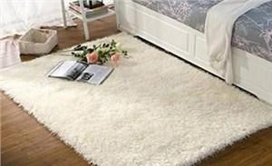 清洗地毯时怎样处理头发