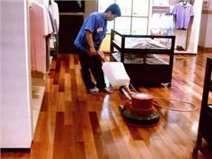 邢台保洁公司-分享竹木地板及布艺沙发清洁注意事项