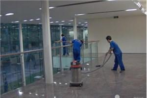 兰州保洁人员分享不同材质墙面的具体清洁技巧