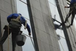 郑州保洁总结外墙清洗价格主要受什么因素影响